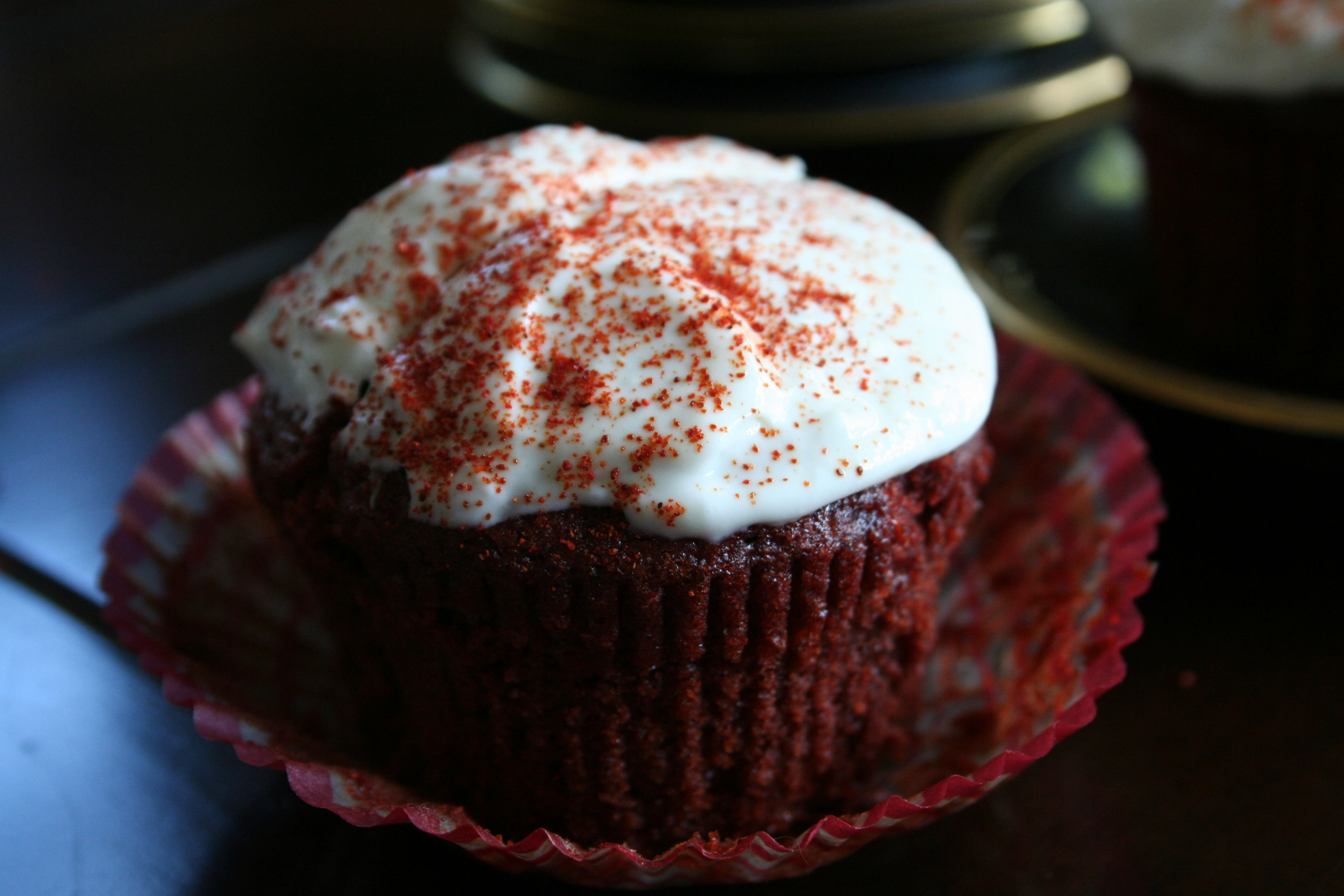 Valentine's Day Red Hot Velvet Cupcakes - LatinoFoodie.com