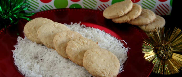 GALLETAS de COCO — COCONUT COOKIE RECIPE FOR A TROPICAL HOLIDAY CELEBRATION