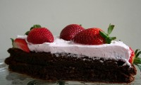 Make your Valentine Swoon with This Flourless Chocolate Cake