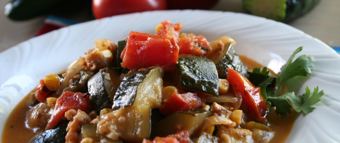 CALABACITAS CON RAJAS (Zucchini Squash with Green Chile)