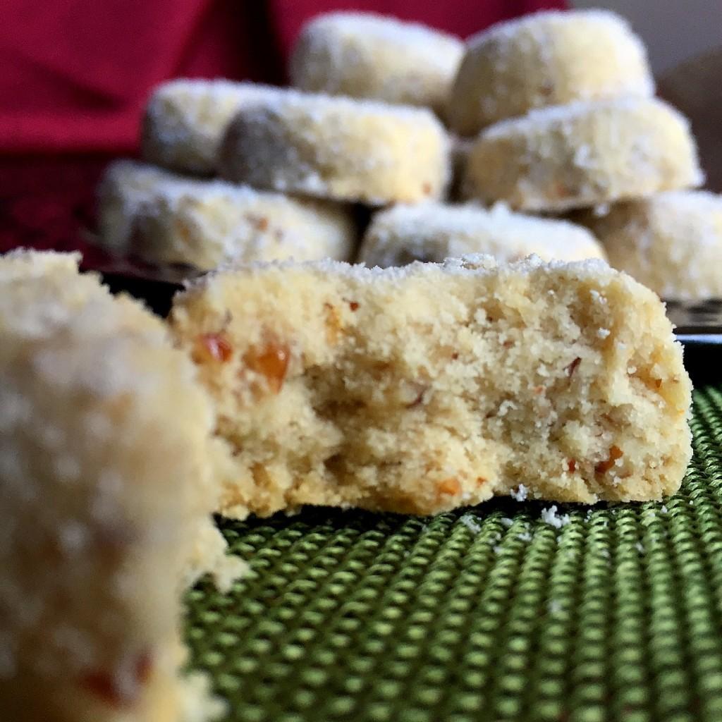 Splenda Polvorones - Mexican Wedding Cookies   Latinofoodie.com