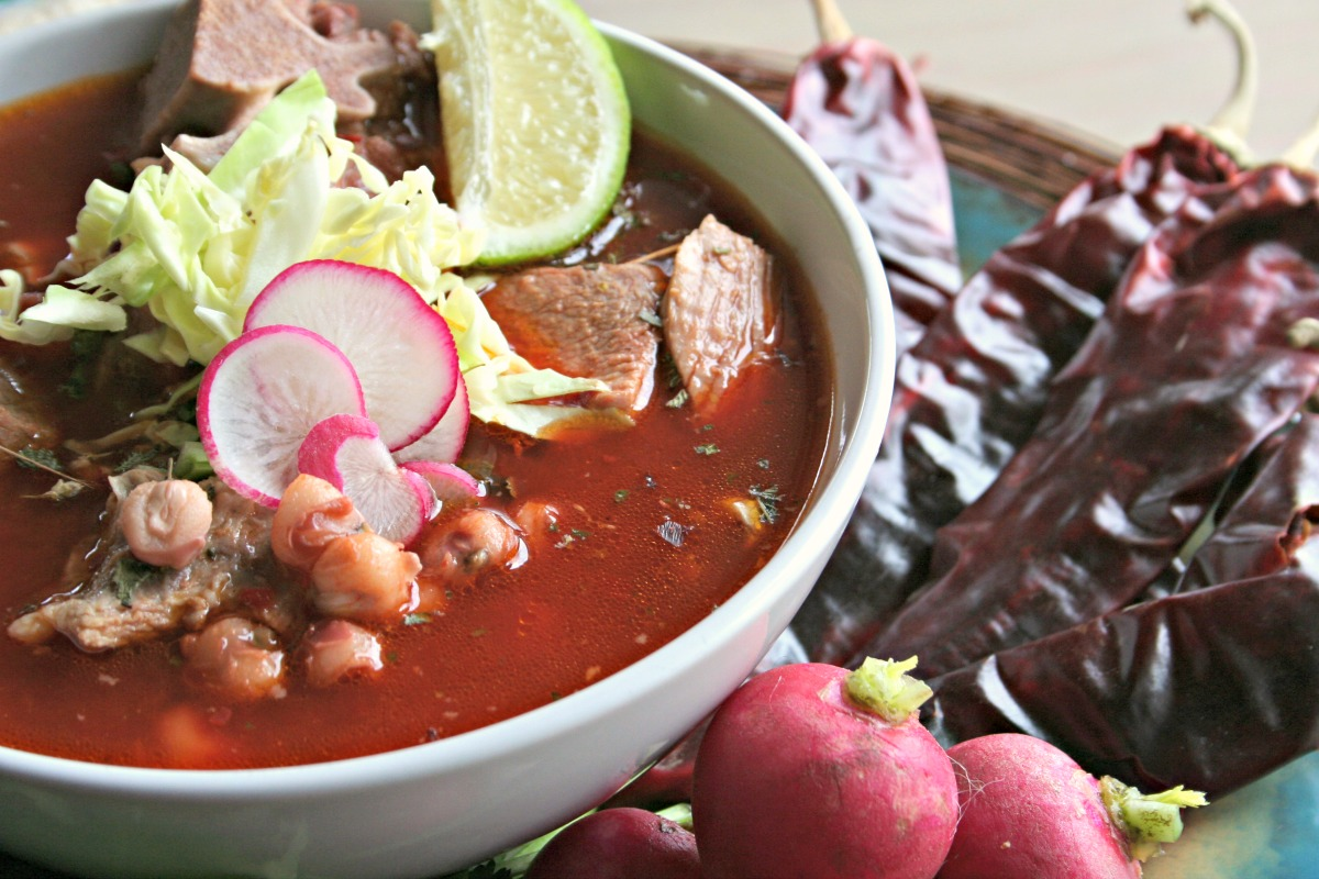 How to make pozole with chile california
